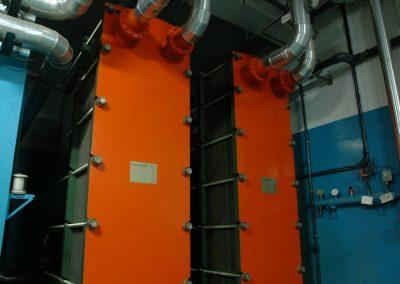 Photo - Installations du réseau de la centrale géothermique.